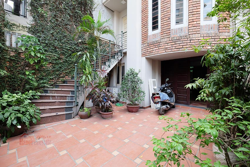 Charming house with pool & front yard on To Ngoc Van 1