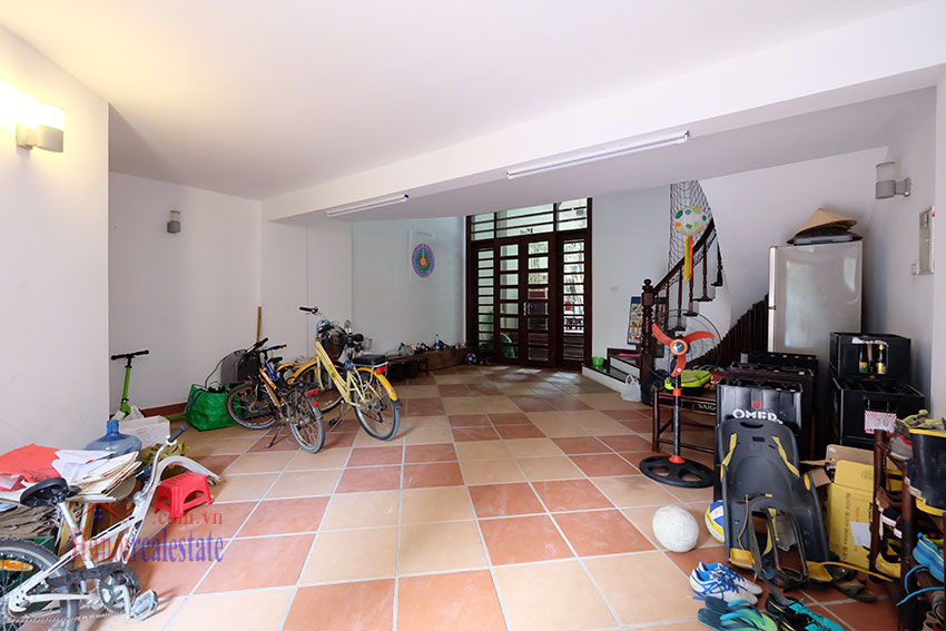 Charming house with pool & front yard on To Ngoc Van 2