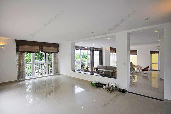 Charming Lake Side Villa in Beautiful location with large garden in Tay Ho 5