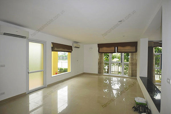 Charming Lake Side Villa in Beautiful location with large garden in Tay Ho 9
