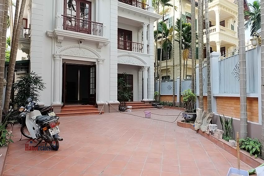 Charming spacious house to let in To Ngoc Van with big courtyard 2