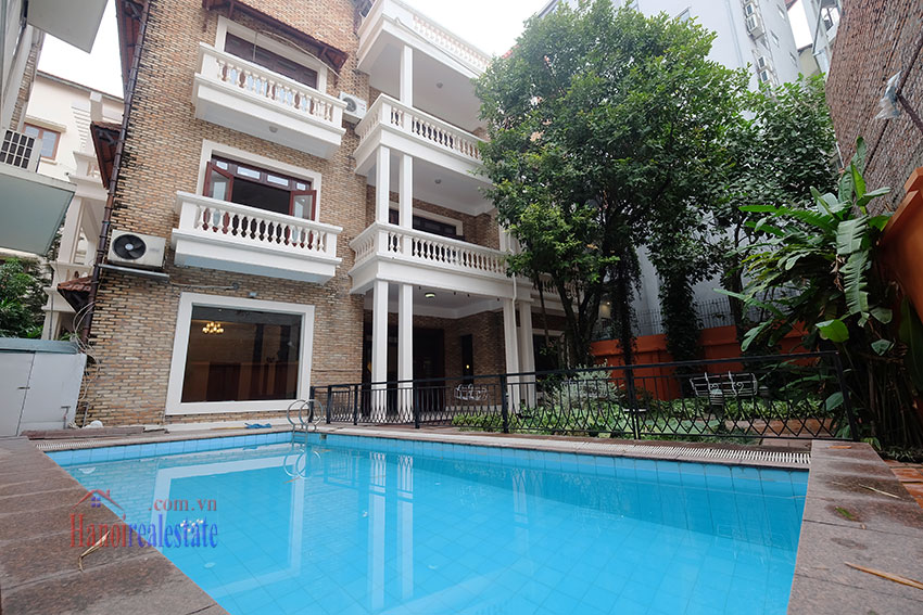 Charming Villa with large garden & outdoor pool on To Ngoc Ngoc Van to rent 2