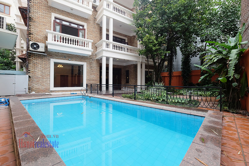 Charming Villa with large garden & outdoor pool on To Ngoc Ngoc Van to rent 3