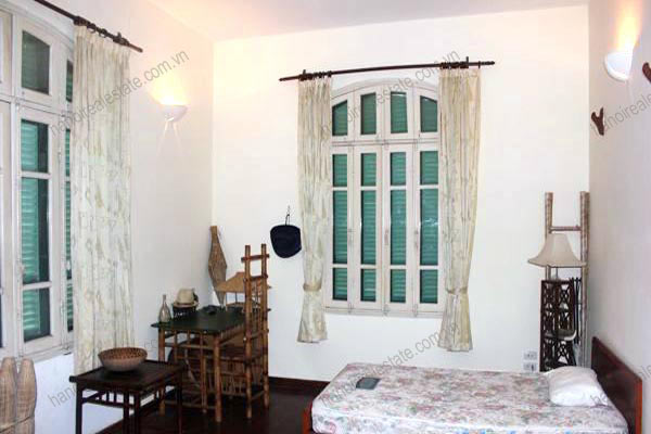 Charming Villa with spacious garden & outdoor Pool in Tay Ho to rent 11