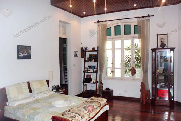 Charming Villa with spacious garden & outdoor Pool in Tay Ho to rent 19