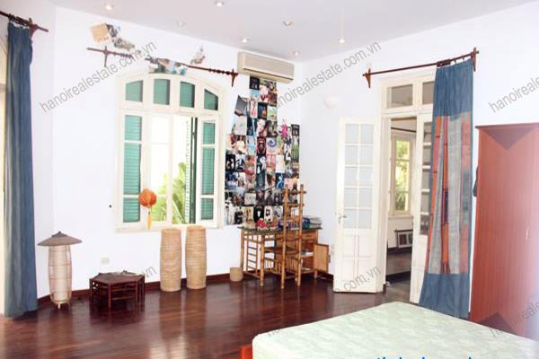 Charming Villa with spacious garden & outdoor Pool in Tay Ho to rent 23