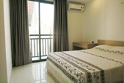 Cheap price 01BR apartment on Lac Long Quan Rd, near Buoi Market