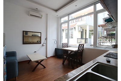 Cheap price 01BR apartment on Xuan Dieu, convenient location