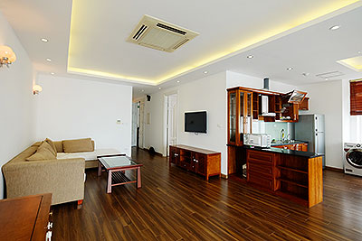 Westlake view 3 bedroom apartment in Xuan Dieu street, Tay ho Dist