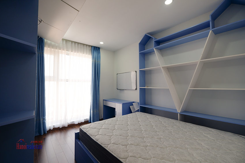 Ciputra: Brand new opened view 03BRs apartment at L4 building 17