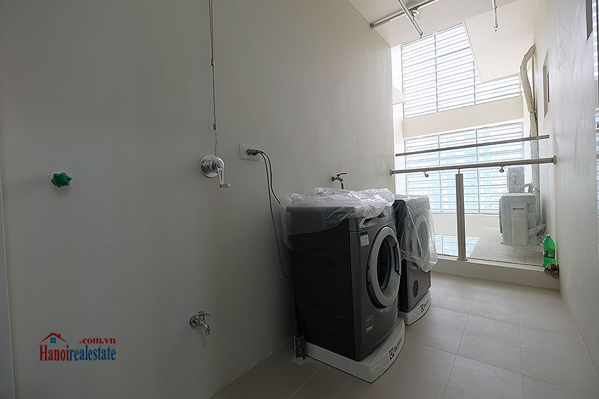 Ciputra: Fully furnished 03BRs apartment at L3 building, Ciputra and golf course view 23