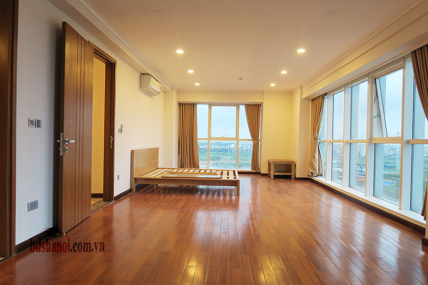 Ciputra: Fully furnished, new 04BRs apartment in L2 23