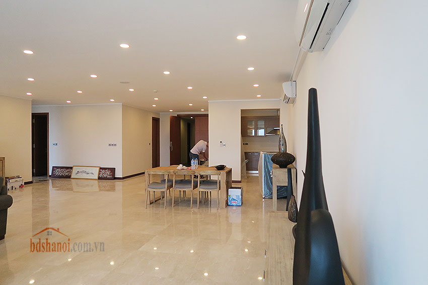 Ciputra: Fully furnished, new 04BRs apartment in L2 9