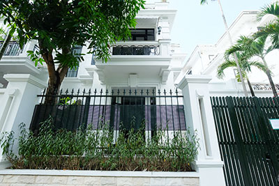Ciputra: Fully renovated modern 05BRs house in D block, short walk to UNIS