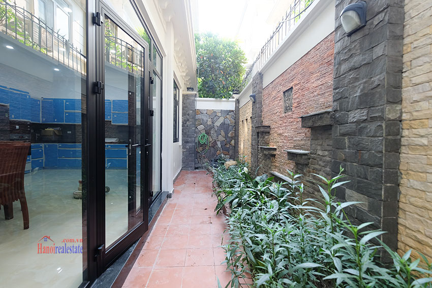 Ciputra: Fully renovated modern 05BRs house in D block, short walk to UNIS 13