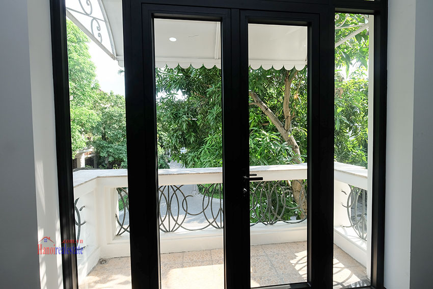 Ciputra: Fully renovated modern 05BRs house in D block, short walk to UNIS 18