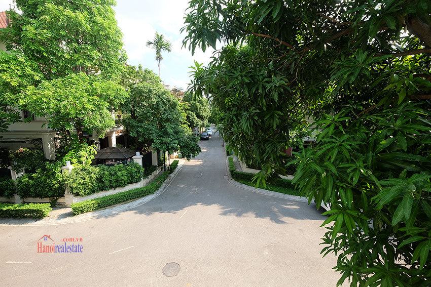 Ciputra: Fully renovated modern 05BRs house in D block, short walk to UNIS 19