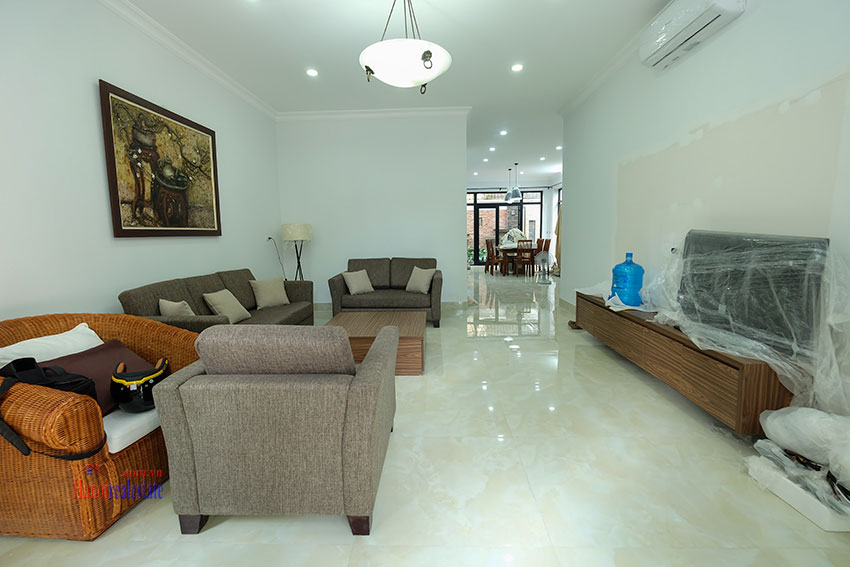 Ciputra: Fully renovated modern 05BRs house in D block, short walk to UNIS 3