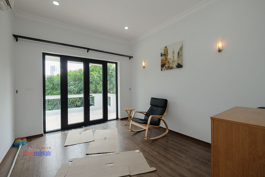 Ciputra: Fully renovated modern 05BRs house in D block, short walk to UNIS 32