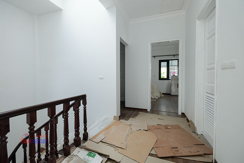 Ciputra: Fully renovated modern 05BRs house in D block, short walk to UNIS 37