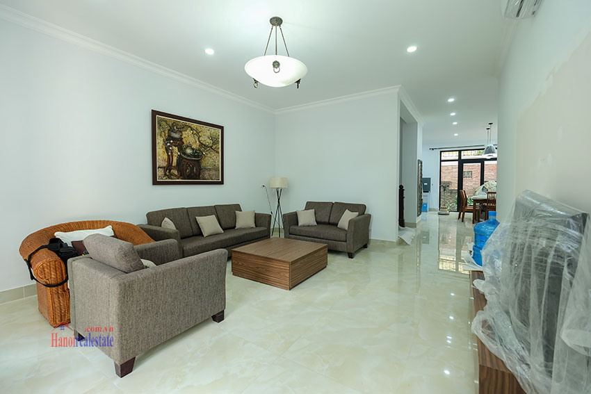 Ciputra: Fully renovated modern 05BRs house in D block, short walk to UNIS 4