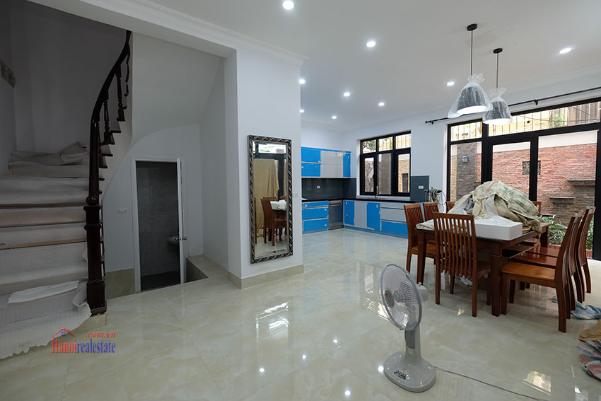 Ciputra: Fully renovated modern 05BRs house in D block, short walk to UNIS 7