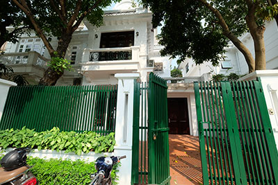 Ciputra: Garden 05BRs house for rent in D block, short distance to UNIS