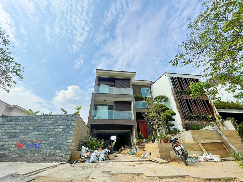 Ciputra: High standard Golf course view swimming pool 6-bedrooms villa in Q block 1