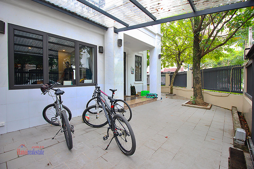 Ciputra: Lovely renovated 5 bedroom house in the quiet T block 3