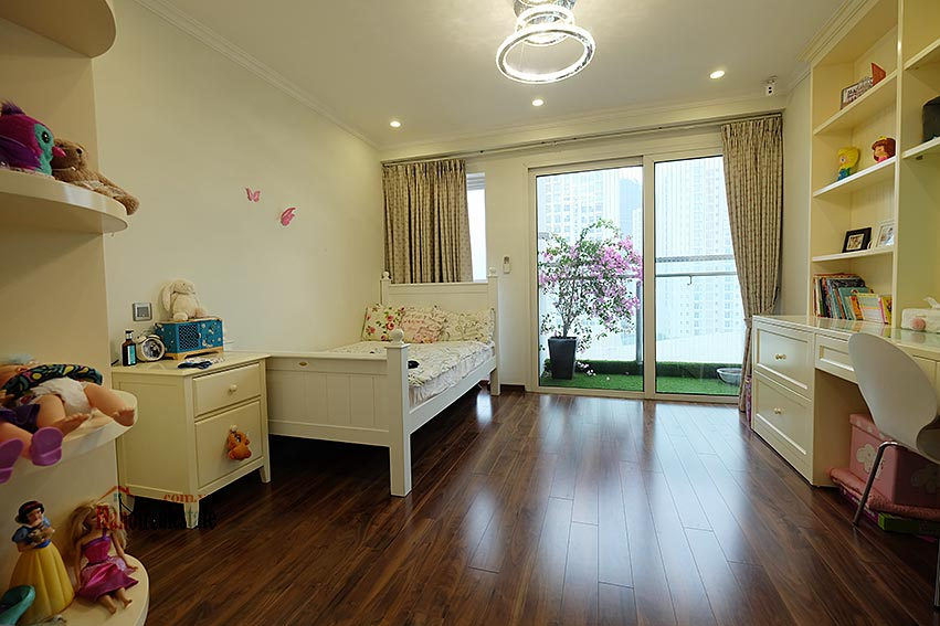 Ciputra: Magnificent 04Brs apartment, luxurious and modern in L block 16