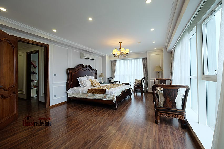 Ciputra: Magnificent 04Brs apartment, luxurious and modern in L block 24