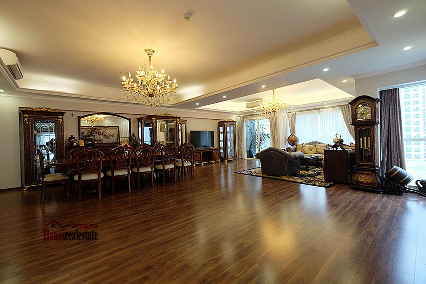 Ciputra: Magnificent 04Brs apartment, luxurious and modern in L block 4