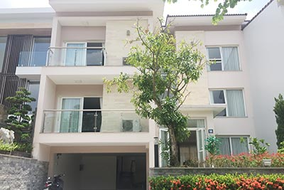 Ciputra: Massive brand new 06BRs villa in Q block, Golf course view