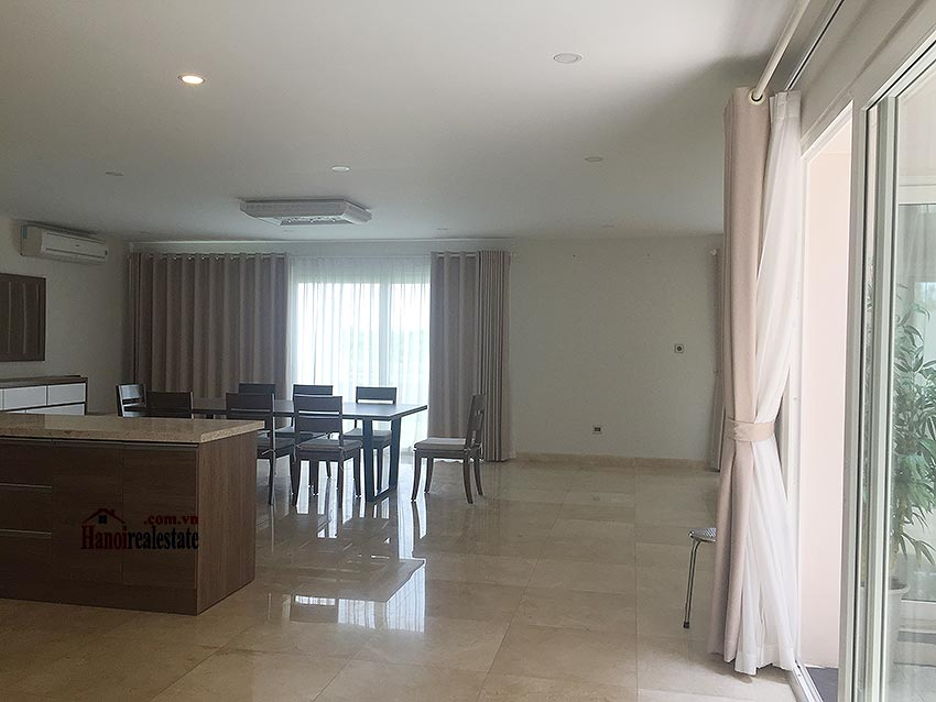 Ciputra: Massive brand new 06BRs villa in Q block, Golf course view 4