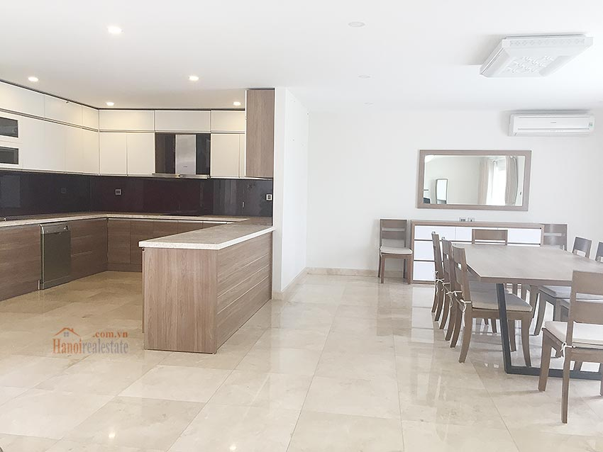 Ciputra: Massive brand new 06BRs villa in Q block, Golf course view 6