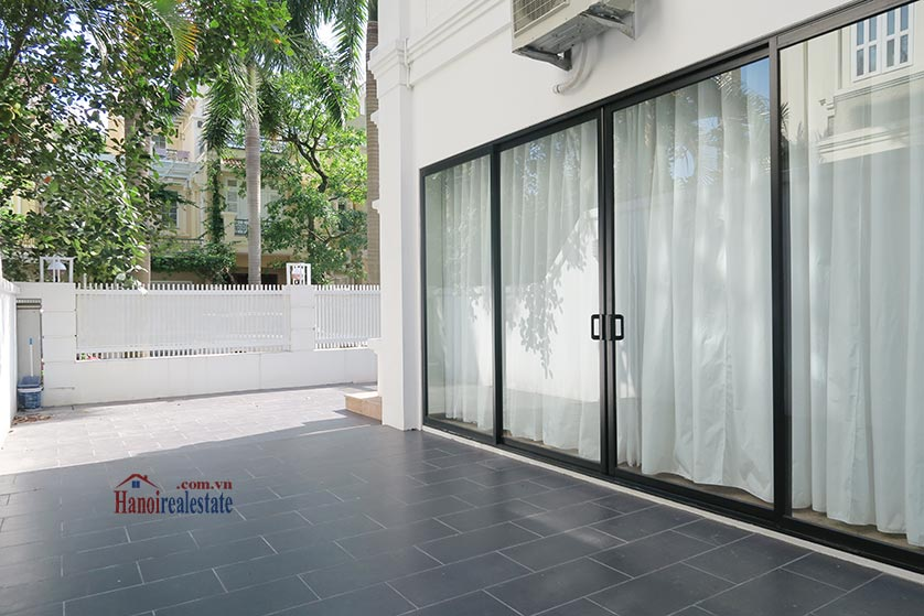 Ciputra: Newly renovated spacious 05BRs villa in T block Ciputra, river access 27