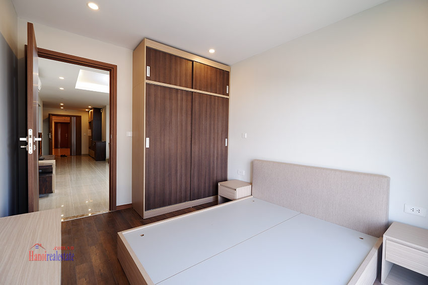 Ciputra: Pretty 03BRs apartment with Golf course view at L3 15
