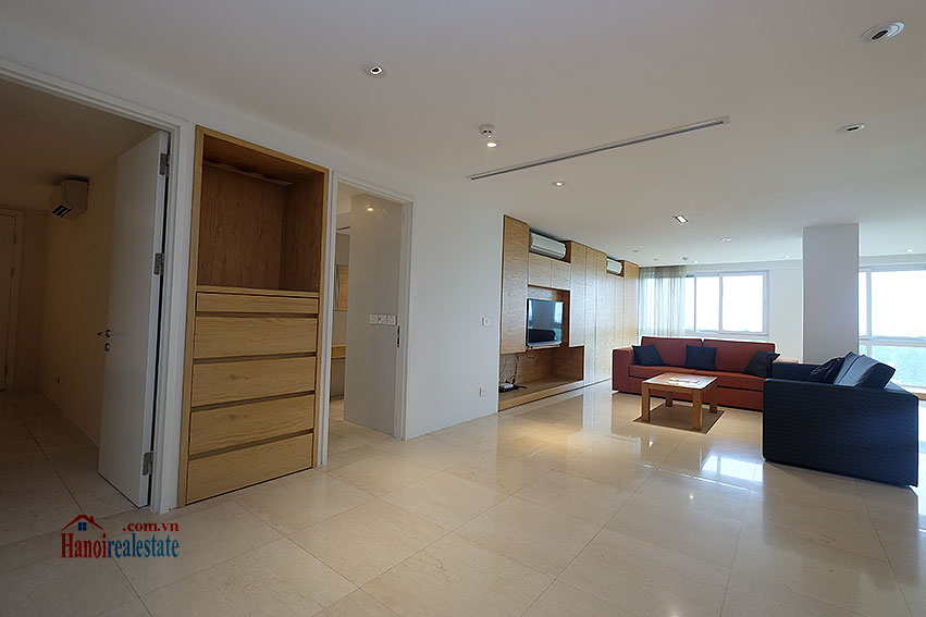 Ciputra: Renovated 02+1BRs apartment in P2, fully furnished 1