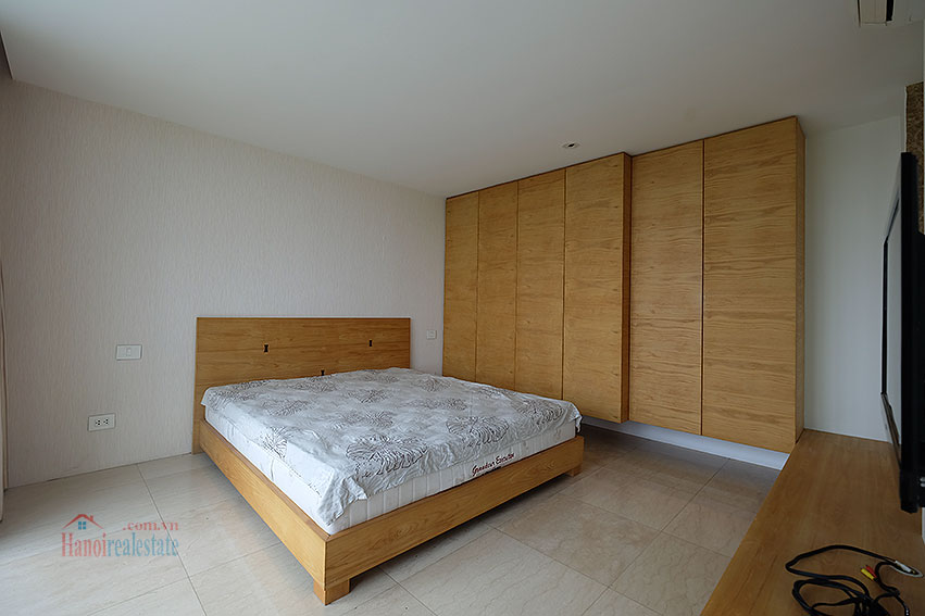 Ciputra: Renovated 02+1BRs apartment in P2, fully furnished 18