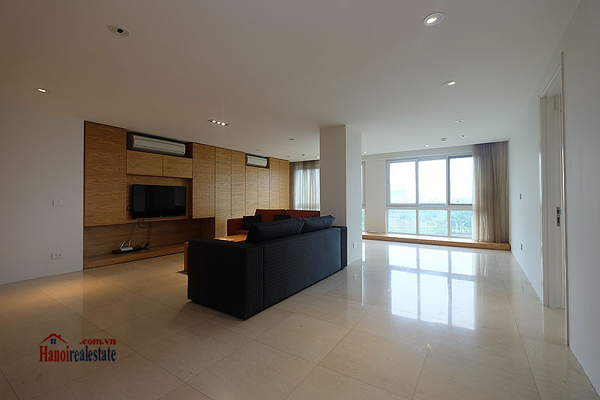 Ciputra: Renovated 02+1BRs apartment in P2, fully furnished 3