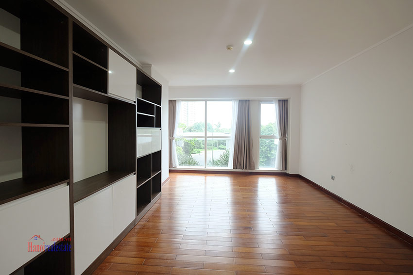 Ciputra: Splendid 04BRs apartment fully furnished in L2 17