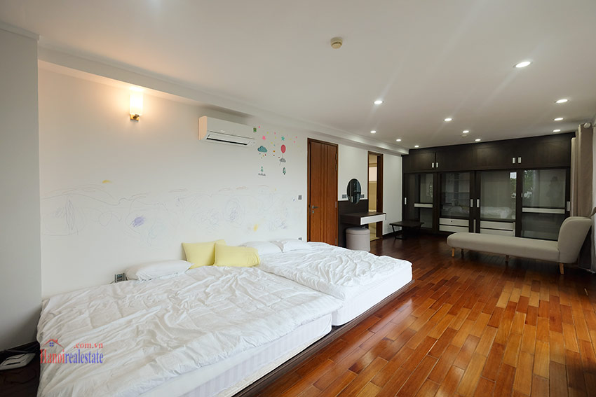 Ciputra: Splendid 04BRs apartment fully furnished in L2 23