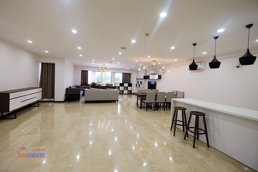 Ciputra: Splendid 04BRs apartment fully furnished in L2 3