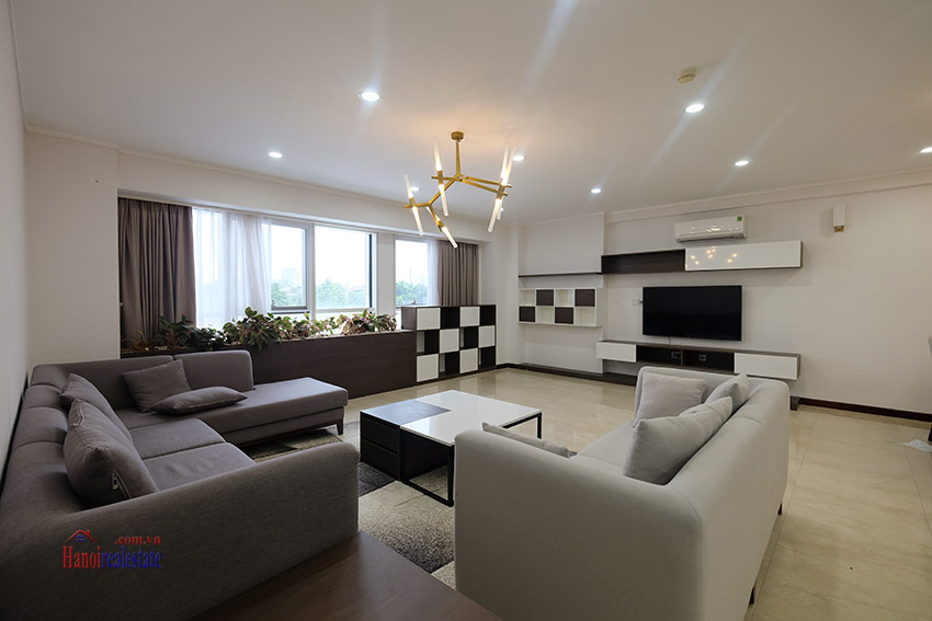 Ciputra: Splendid 04BRs apartment fully furnished in L2 4