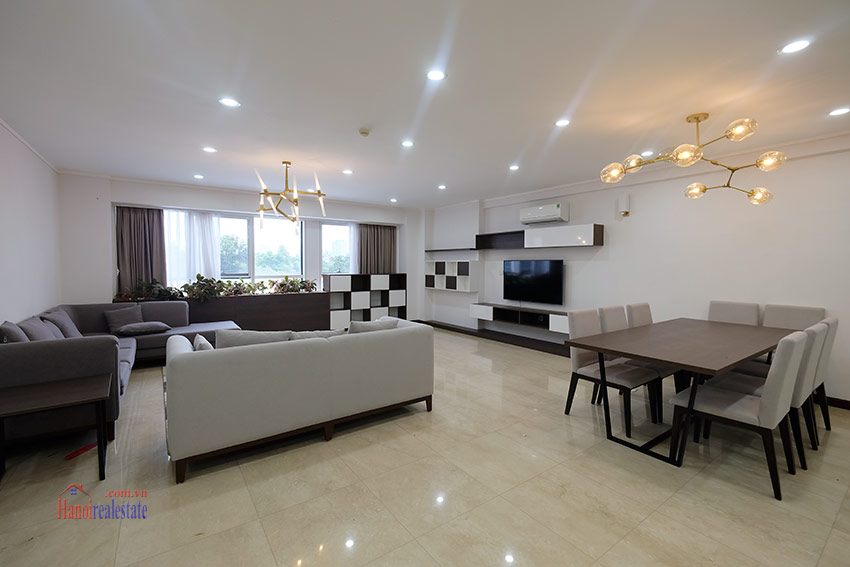 Ciputra: Splendid 04BRs apartment fully furnished in L2 5