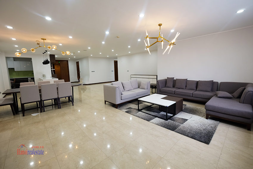 Ciputra: Splendid 04BRs apartment fully furnished in L2 6