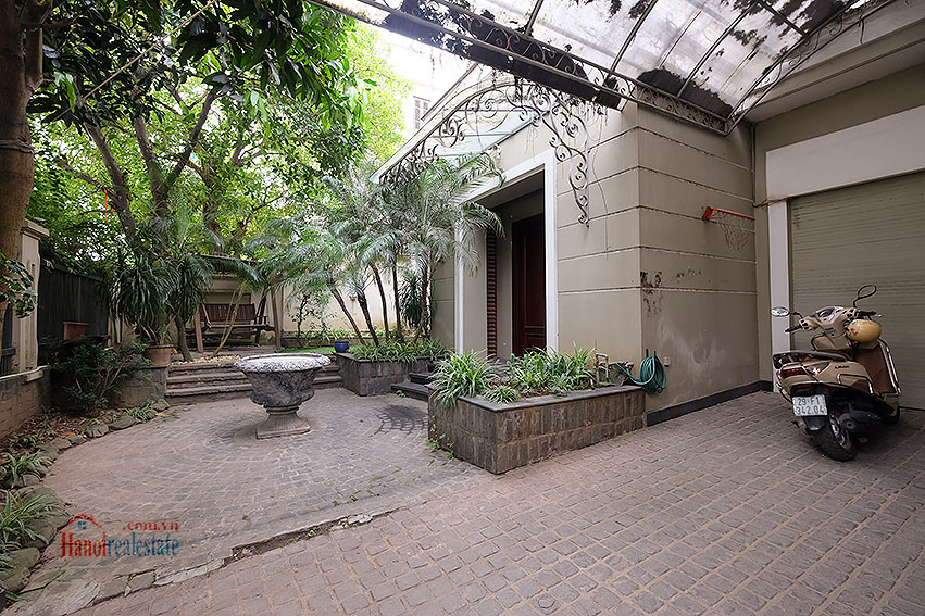 Ciputra: The glamorous 06BRs villa for rent in C block Ciputra, lovely garden 2