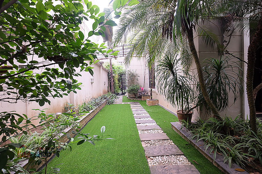 Ciputra: The glamorous 06BRs villa for rent in C block Ciputra, lovely garden 4