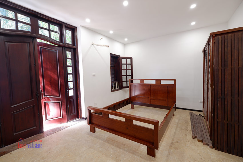 Ciputra: Traditional renovated cornered 04BRs house in C1, short walk to UNIS 11