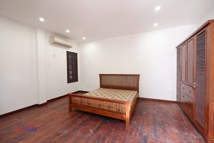 Ciputra: Traditional renovated cornered 04BRs house in C1, short walk to UNIS 16